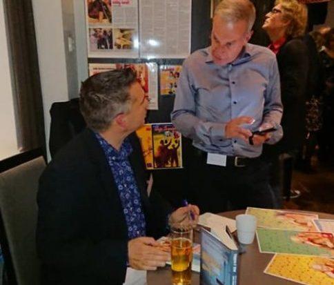 Lars Carlsson signerade sin bok under kvällen.